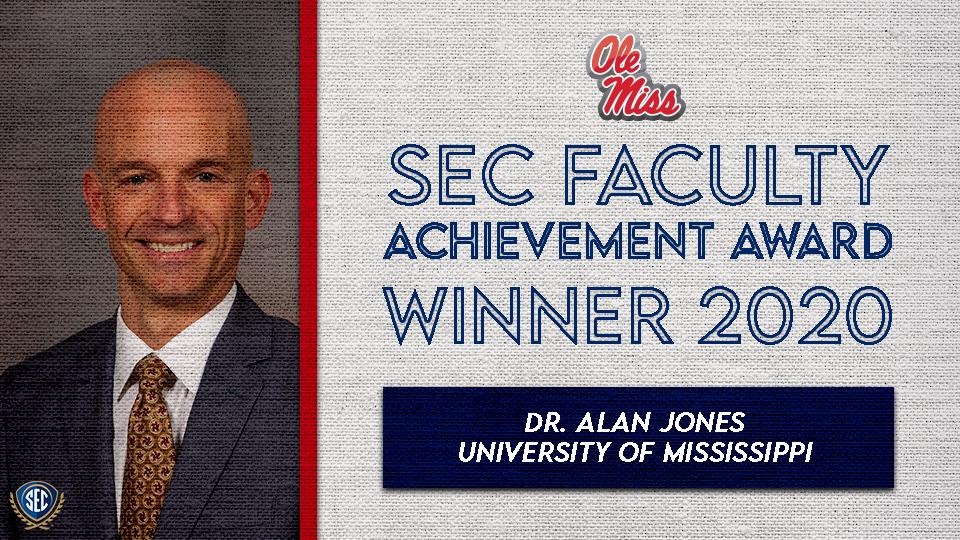 Dr. Alan Jones Wins SEC Faculty Achievement Award